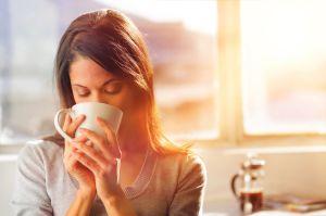 ¿Podemos tomar café durante la lactancia?