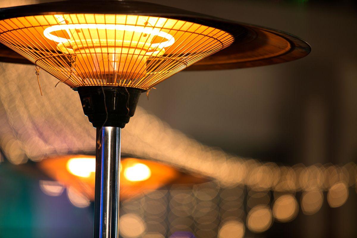 Los 5 mejores calentadores por menos de $200 para colocar en el exterior de tu casa