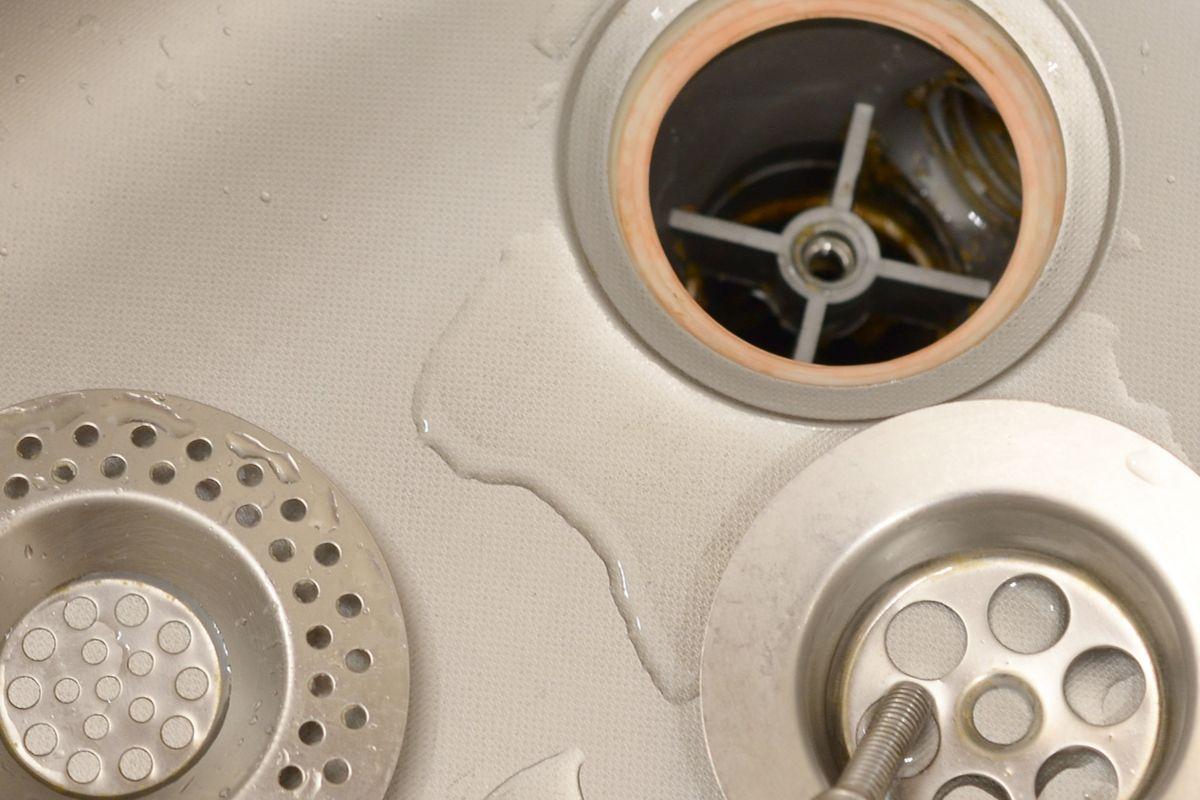 Los mejores protectores de drenaje para evitar que se atasquen las tuberías
