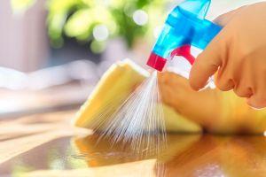 4 desinfectantes para el hogar que sirven para usarlos en cualquier superficie