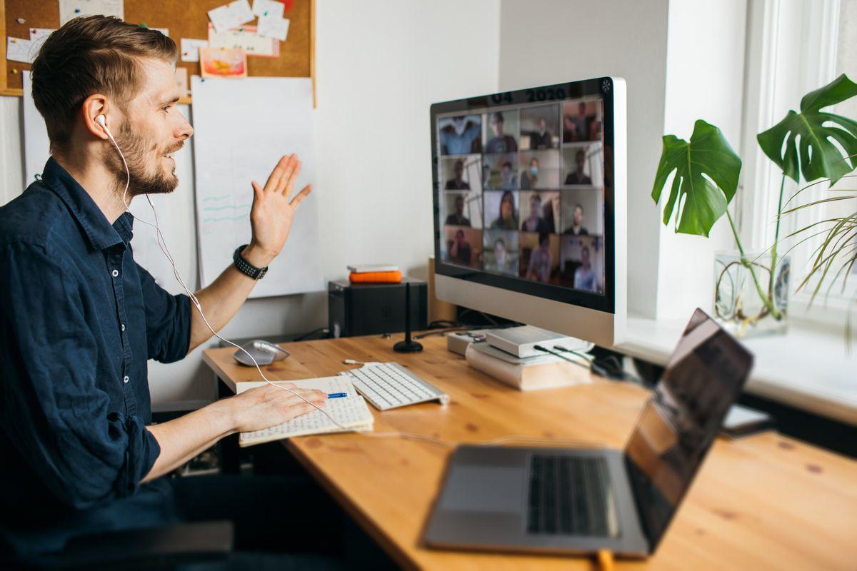 Desktop vs. Laptop: ¿Cuál es la mejor opción para tener en tu oficina en casa?