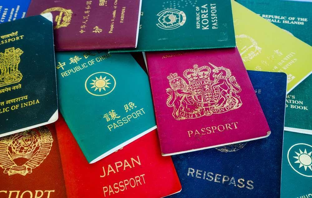 En agosto, un reporte de prensa alertó de cheques de estímulo enviados por error a decenas de extranjeros en 129 países.