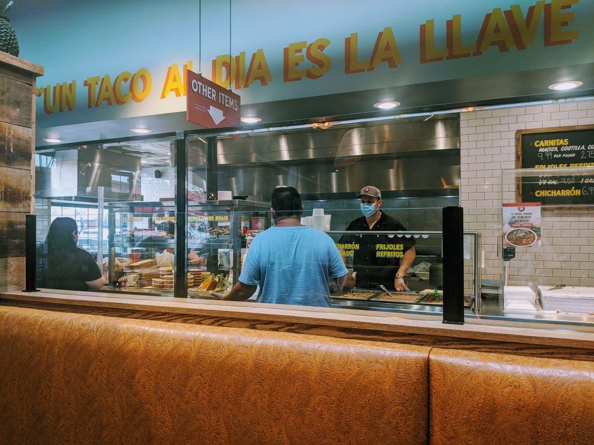 Menú contra la pandemia: la lucha de los restaurantes latinos de Chicago