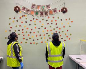 Trabajadores esenciales de Chicago cuentan sus motivos para celebrar Acción de Gracias en plena pandemia