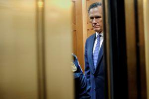 """Senadores de ambos partidos proponen un """"miniestímulo"""" de transición sin cheques"""