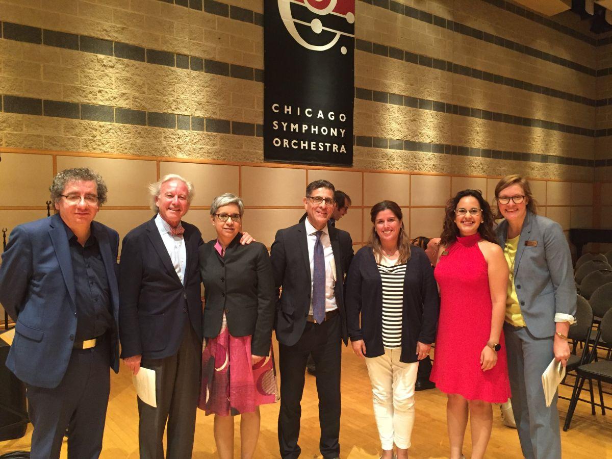 La Sinfónica de Chicago presenta una singular 'Noche Navideña' de arte latino