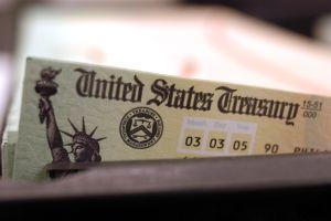 En unas 3 semanas IRS empezaría envío de cheques de estímulo si se aprueba segunda ronda antes de fin de año