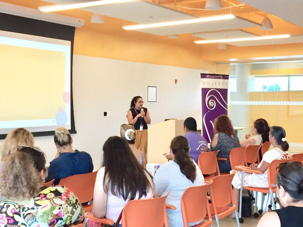 Participantes del programa Empresarias del Futuro de Mujeres Latinas en Acción. (Cortesía)