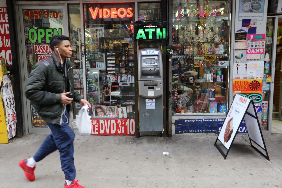 Imagen de archivo de un cajero automático para retirar dinero en efectivo.