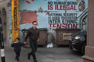Chicago amplía la protección a inmigrantes y elimina toda colaboración de la Policía con ICE