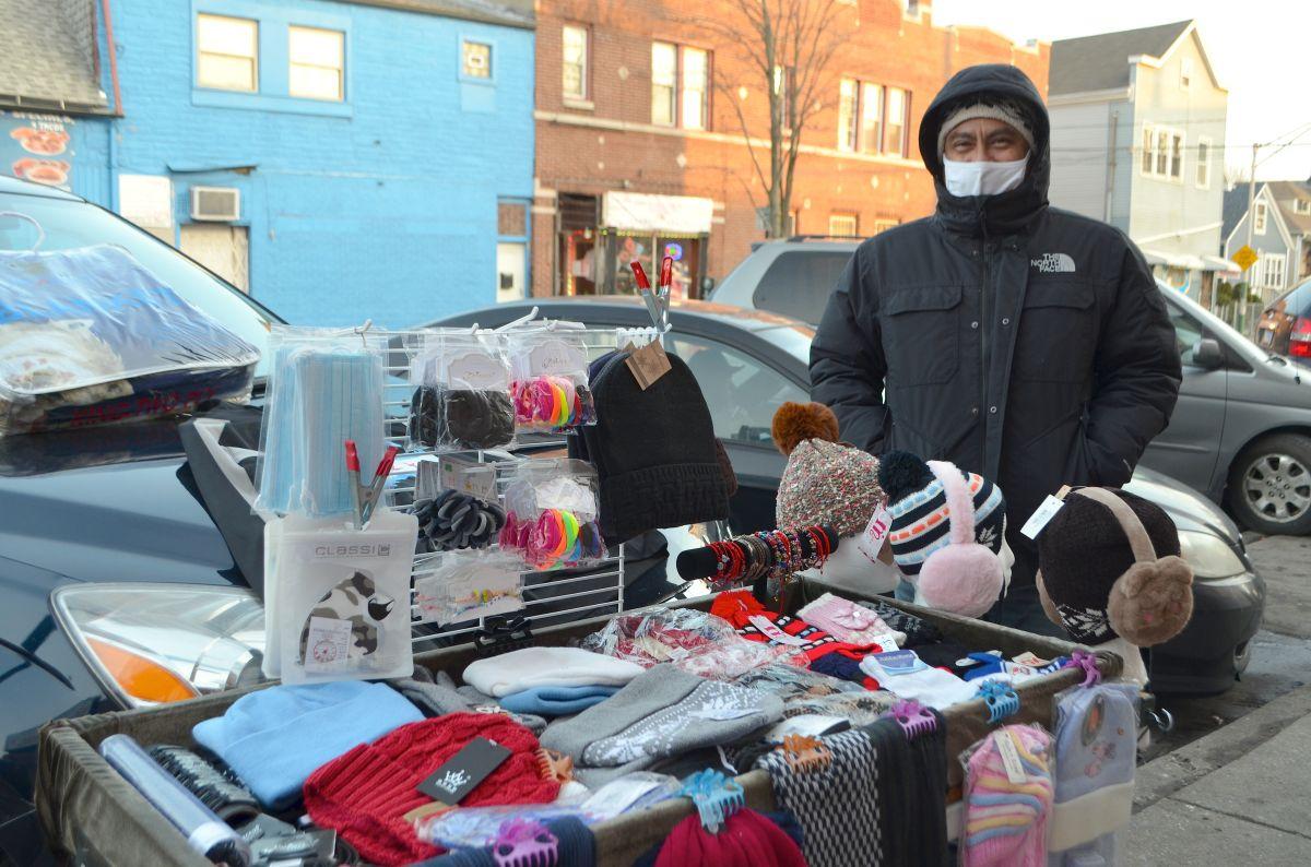 El desempleo provocado por el covid-19 aumenta el comercio ambulante en Chicago