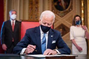 Inmigrantes en Chicago ven con optimismo el comienzo del gobierno de Biden