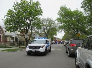 Disparan a mujer en la cabeza en el vecindario de Rosemoor en Chicago
