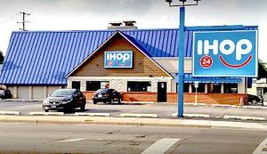 Muere mujer latina que recibió disparo en restaurante IHOP en Evanston