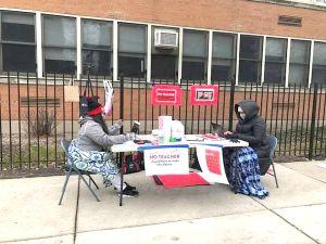 Maestros de Chicago discutirán la posibilidad de irse a huelga en medio de la pandemia