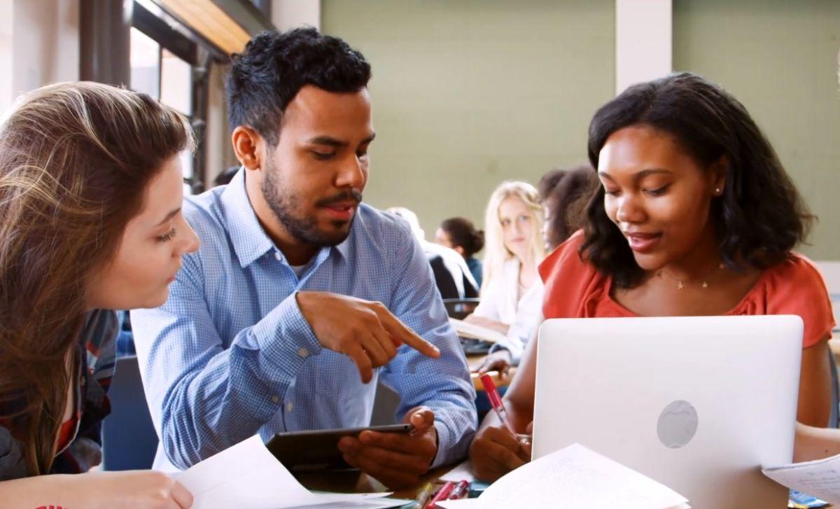La beca 'CTA Elevating Futures Scholarship Fund' apoya a jóvenes desfavorecidos económicamente para estudiar carreras de construcción e ingeniería. (CTA)