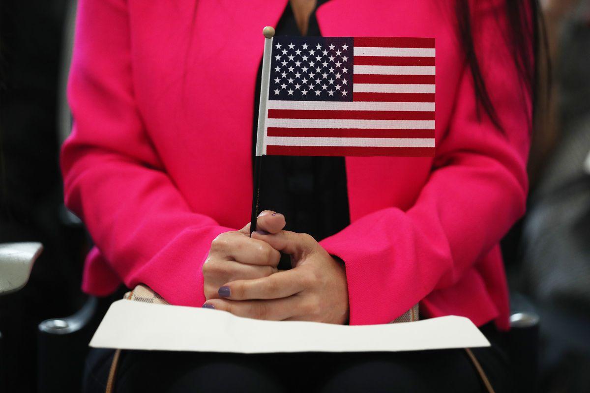 USCIS ha cancelado examen de ciudadanía aplicado en el gobierno de Trump