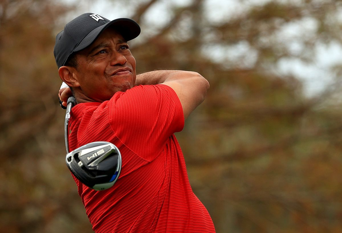 Tiger Woods es hospitalizado tras grave accidente automovilístico