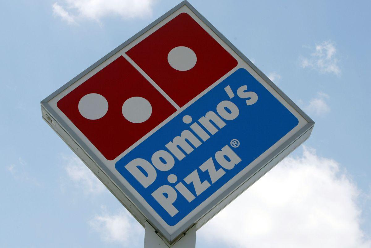 VIDEO: empleado de Domino's Pizza enfurece tras no recibir propina