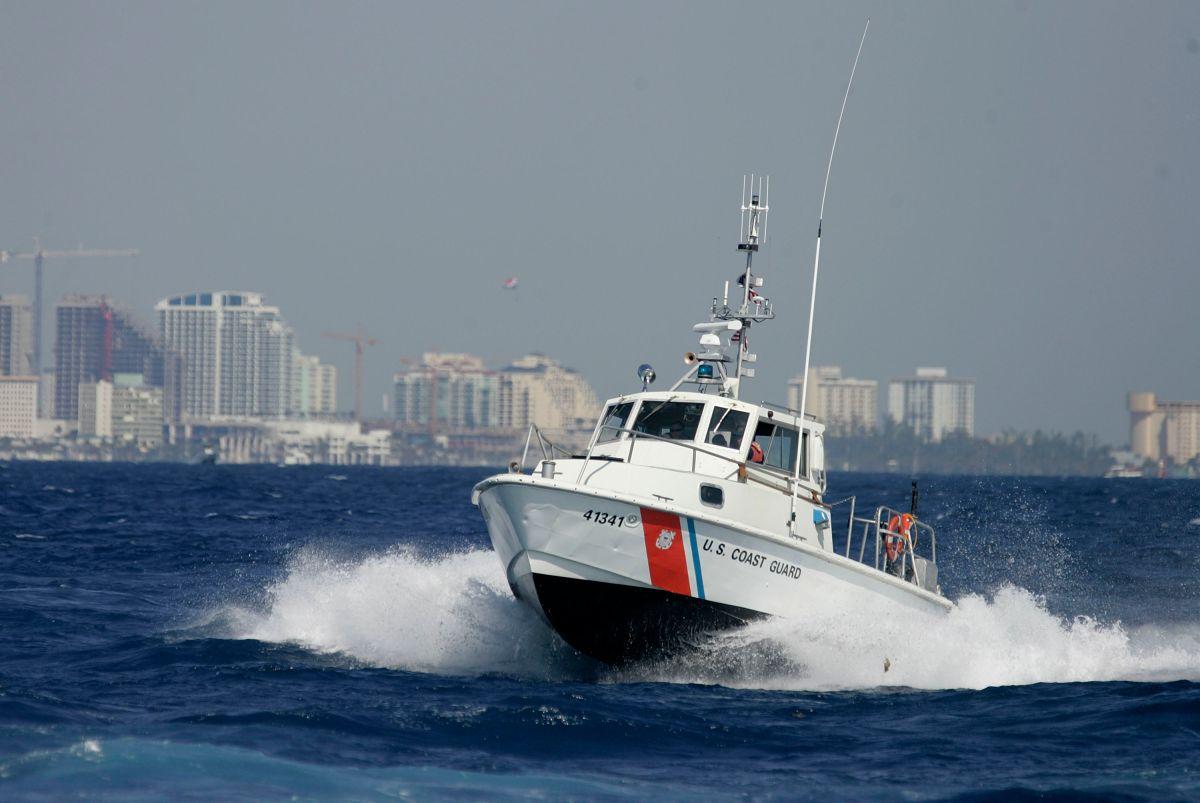 Barco de la Guardia Costera en Miami