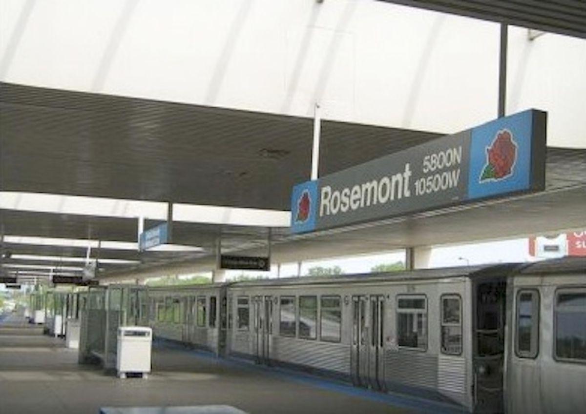 Muere mujer en una estación de tren de la línea azul de la CTA en Chicago