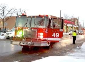 1 persona muerta y un anciano gravemente herido en incendio en el barrio de Chatham