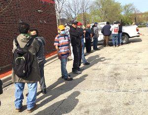 Jornaleros de Chicago sufren para encontrar empleo en medio de la pandemia de covid-19