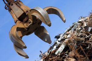 Luchan en el sureste de Chicago contra trituradora de metales