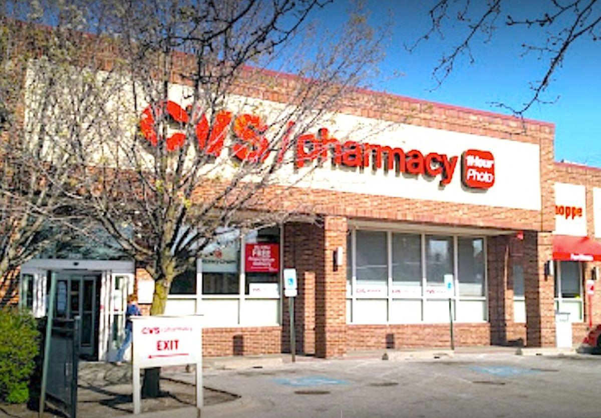 Más de 100 ubicaciones de CVS en el área de Chicago y 400 en Illinois administrarán las dosis de refuerzo de covid-19.