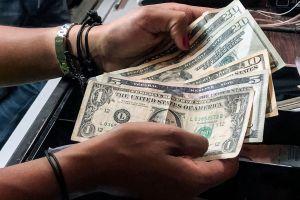 Quienes recibirían el tercer cheque de estímulo esta semana