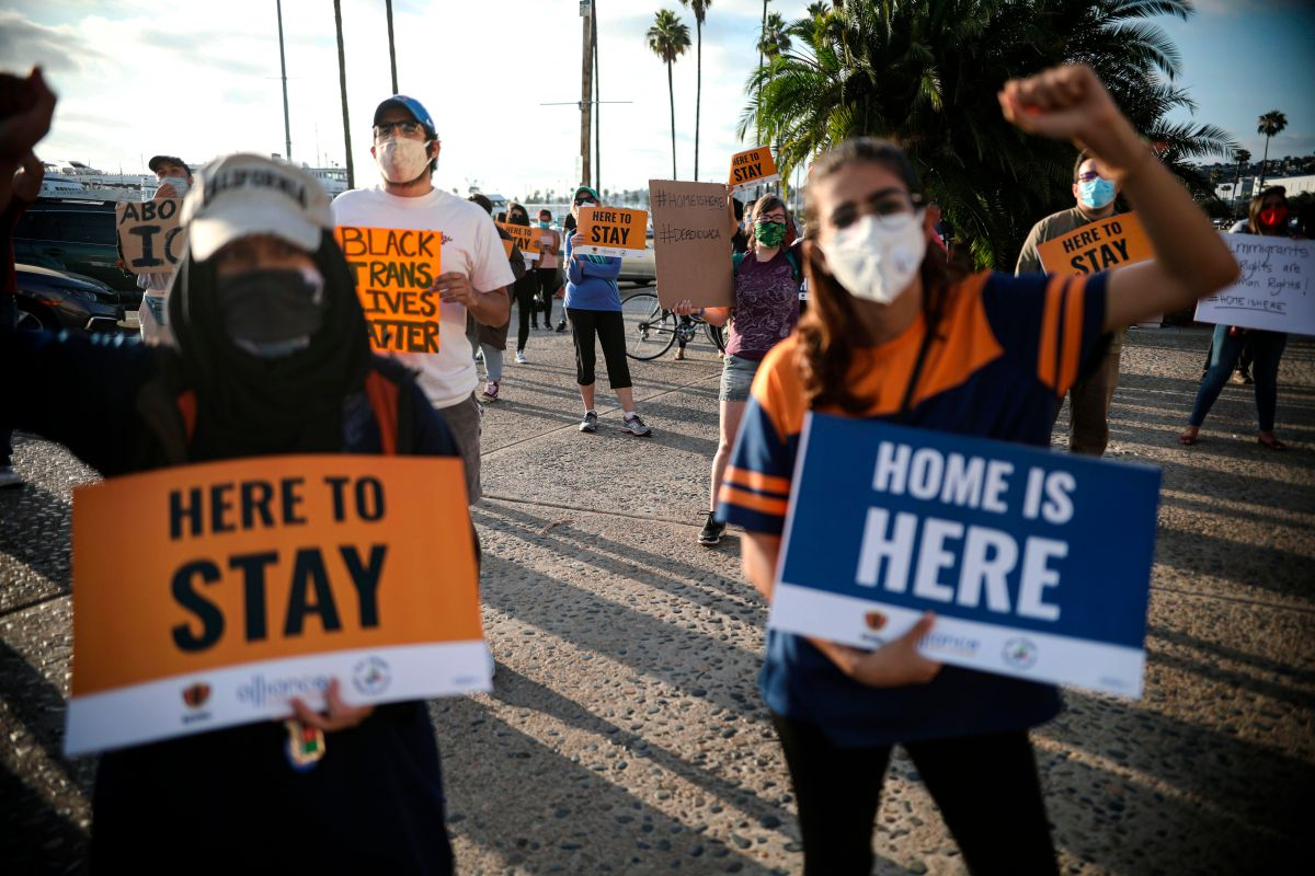 Manifestación a favor del programa de Acción Diferida para los Llegados en la Infancia (DACA), en San Diego, California, el 18 de junio de 2020