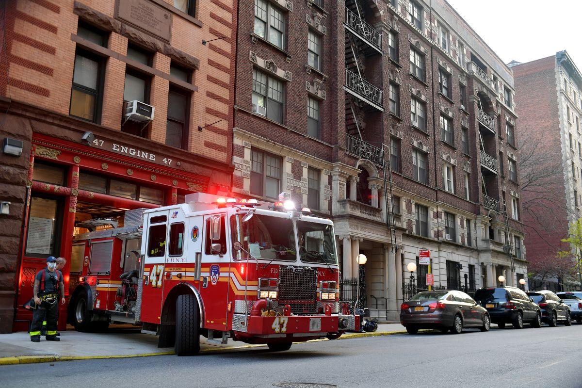 Niño es golpeado por camión de bomberos en Nueva York