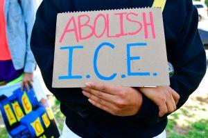 Organizaciones piden que se liberen a inmigrantes detenidos por ICE