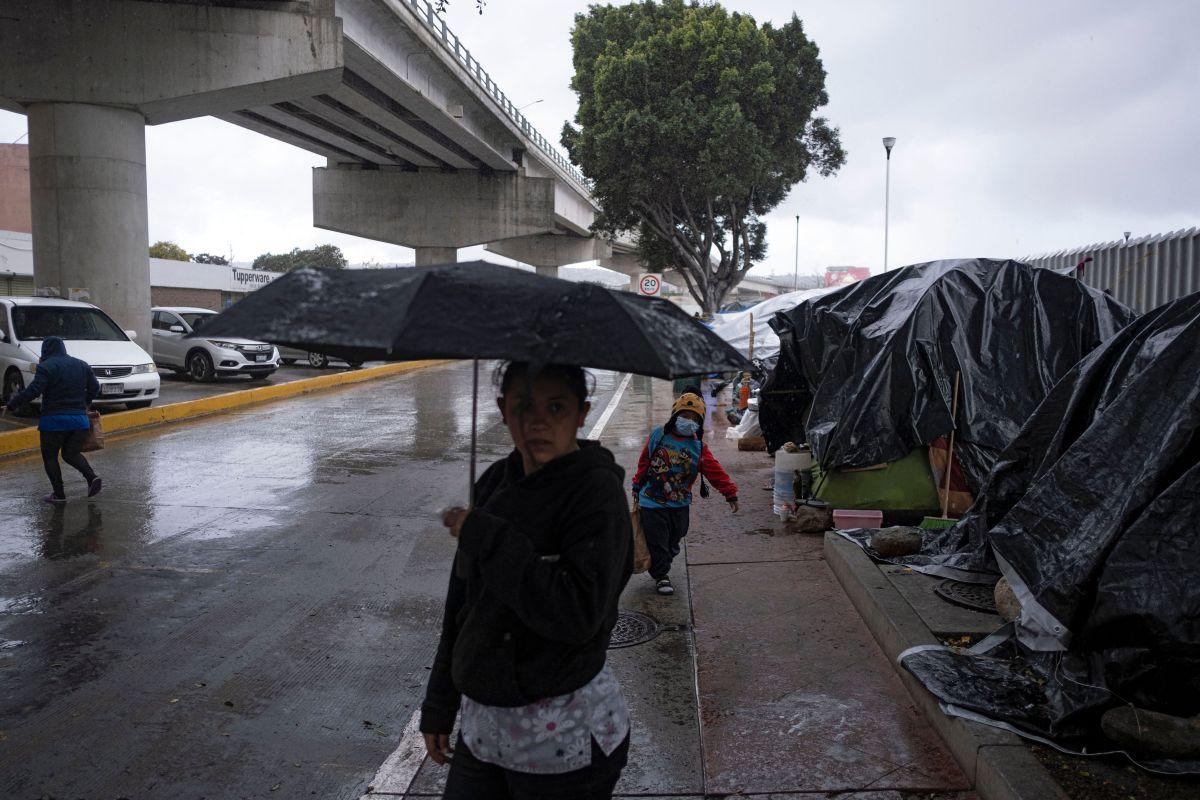Instalaciones de la NASA en California podrían usarse para albergar niños migrantes