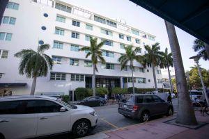 Miami Beach se mantiene en calma luego de extensión de toque de queda