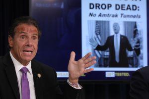 50% de los neoyorquinos opinan que Cuomo debe continuar en su cargo