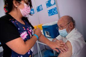 Estados Unidos bate récord al aplicar 3.5 millones de vacunas contra coronavirus en un día