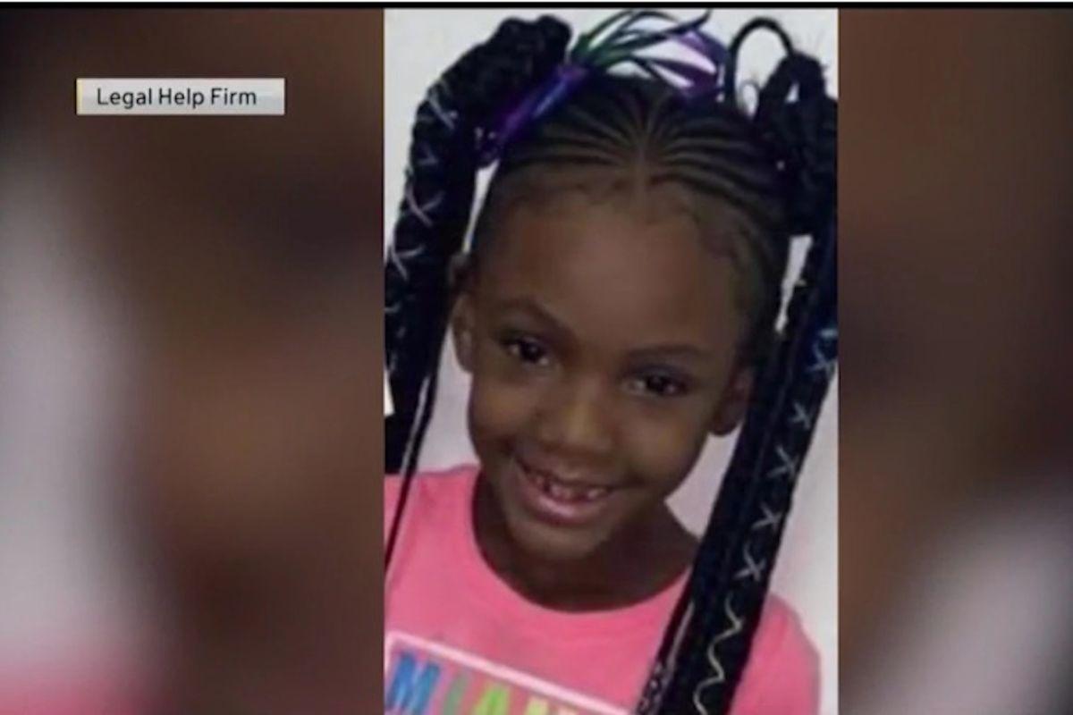 Balean mortalmente a niña de siete años en autoservicio de un McDonald's en Chicago