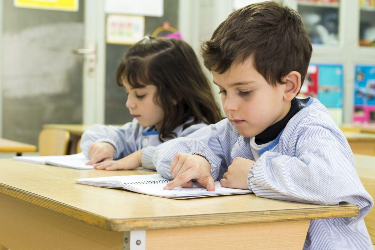La lucha por disminuir brechas de aprendizaje de la lectura en Chicago en un año pandémico es real