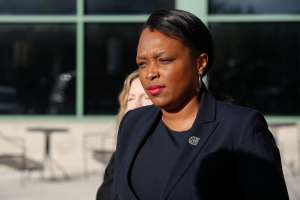 Dimite Janice Jackson como directora ejecutiva de las Escuelas Públicas de Chicago