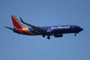 Una asistente de vuelo de Southwest perdió dos dientes al ser agredida por una pasajera