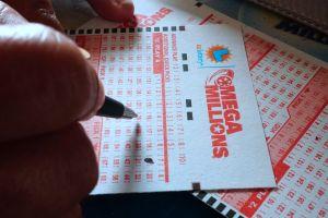 El boleto del premio Mayor del Mega Millions se vendió en Illinois