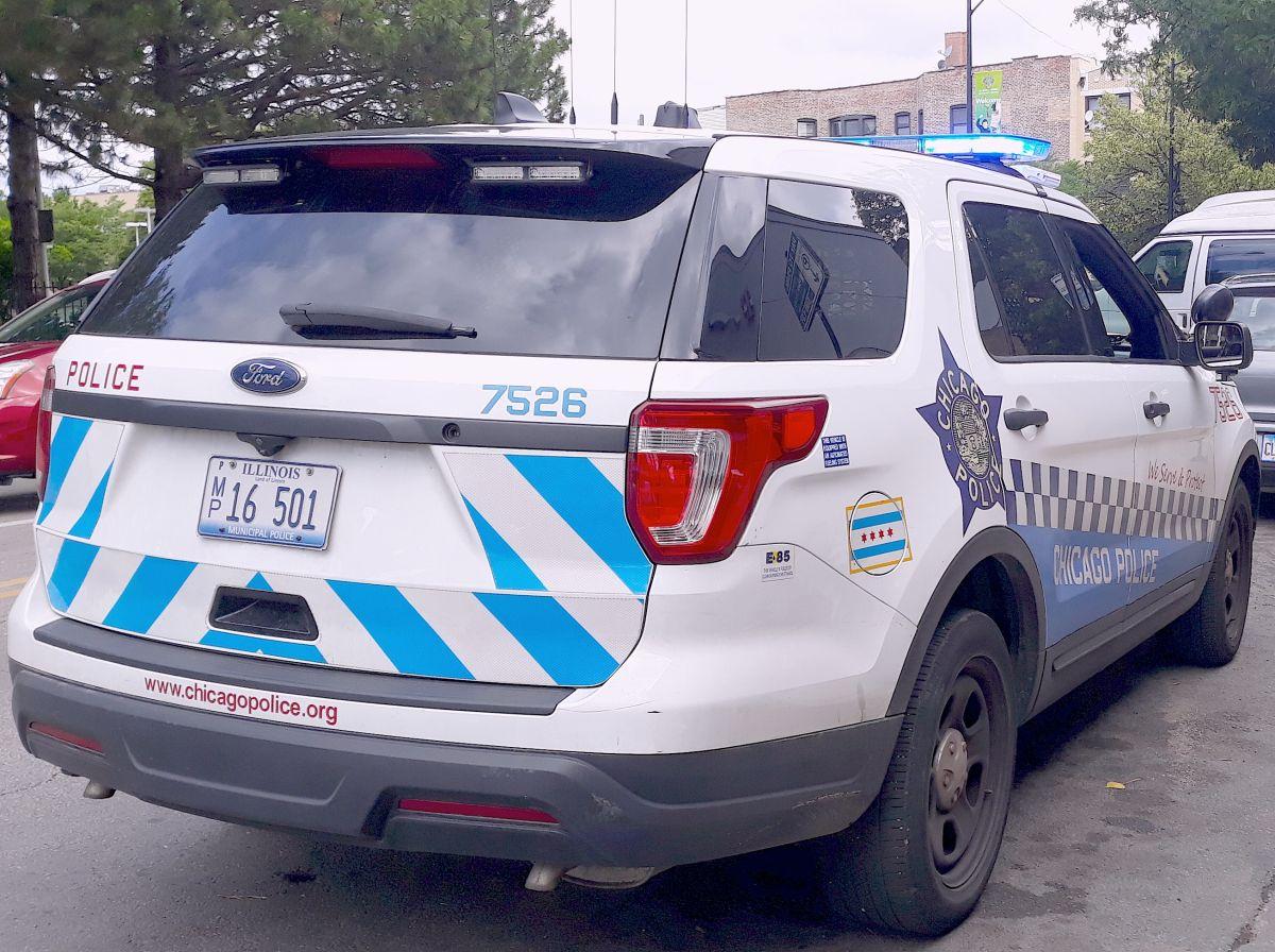 Arrestan a adolescente por robo de vehículo en South Lawndale en Chicago