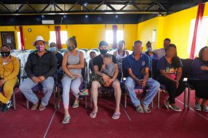 Familia con 18 miembros y ancianita de 94 años huyó de Michoacán a Tijuana