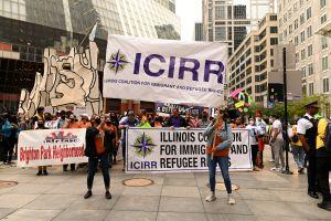 Comunidades inmigrantes de Chicago abogan por incluir un camino a la ciudadanía en el presupuesto federal