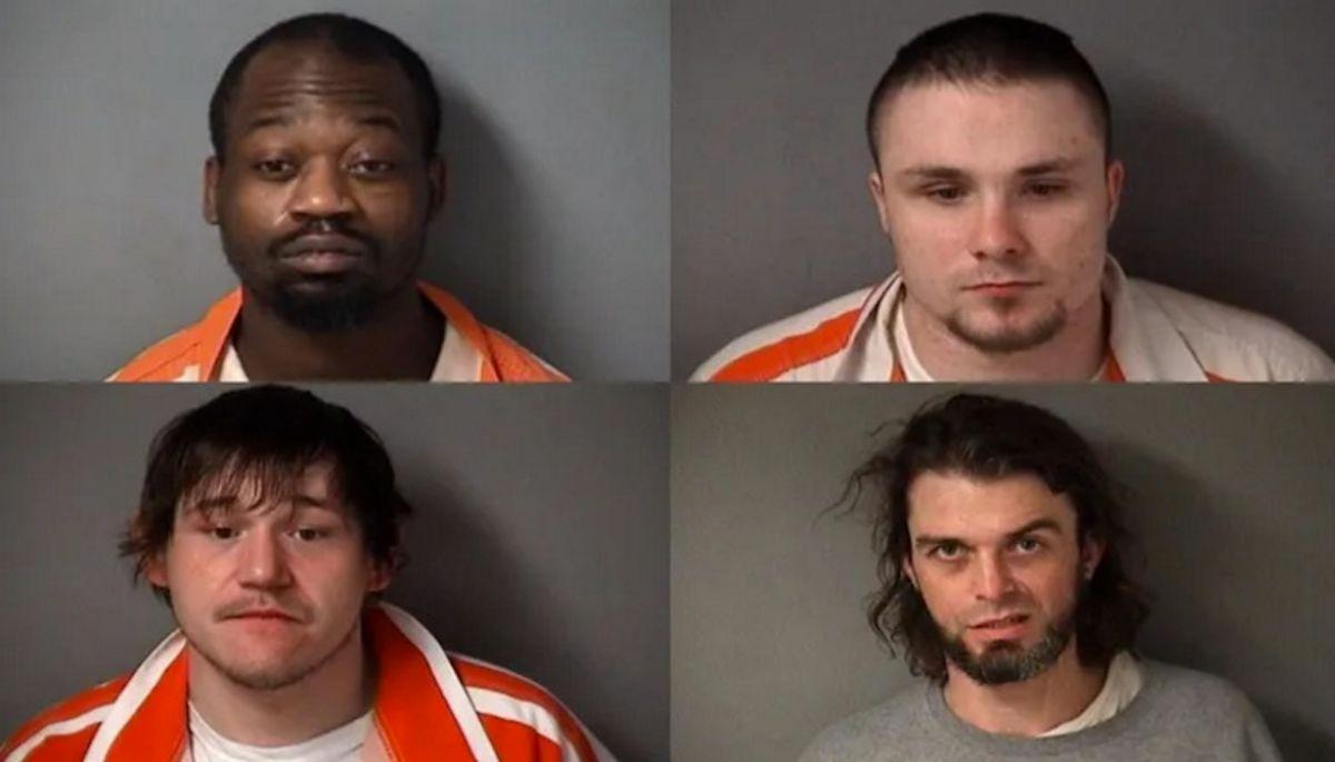 (De Izq. a der.) Jesse Davis, Eugene Roets, Zachary Hart y Cody Villalobos. Foto cortesía Oficina del alguacil del condado de Fulton