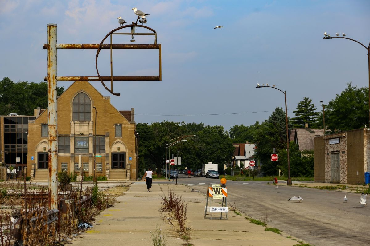 Una vista de las calles 112th Street y State Street, en Roseland, Chicago. (Olivia Obineme / The Trace)