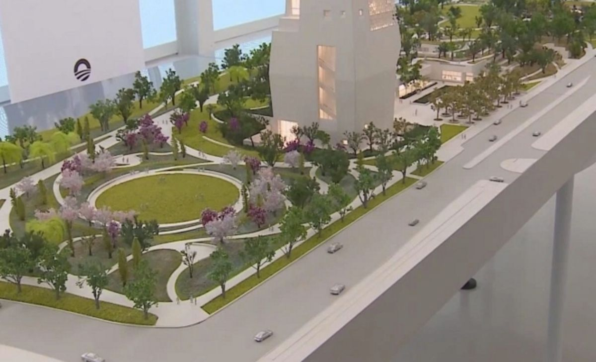 El Centro Presidencial Obama contará con senderos para caminar, áreas de juego y ciclovías en el vecindario de Jackson Park en Chicago, dijo el expresidente Barack Obama en un video en junio. Foto captura WGN