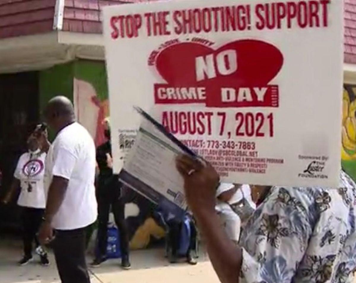Una docena de eventos públicos que promovieron la paz en las calles de Chicago se llevaron a cabo el sábado. Foto Captura CBS 2