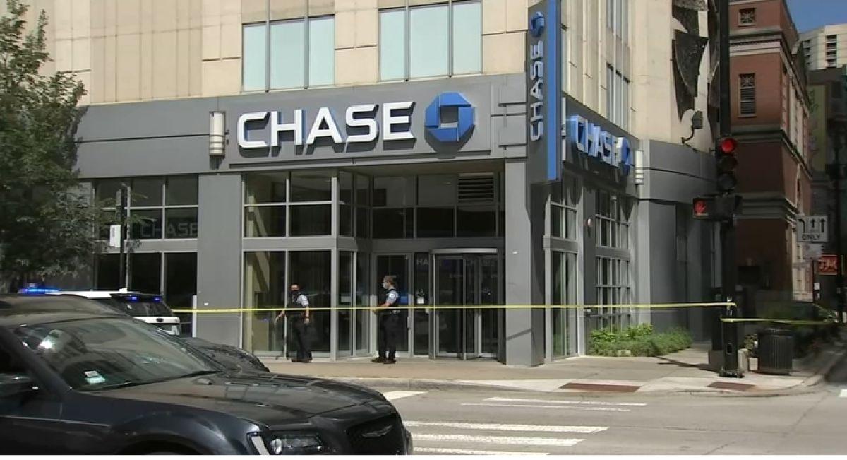 La Policía de Chicago dijo que la mujer de 24 años fue apuñalada en el cuello y murió por la gravedad de sus heridas.Foto captura WGN